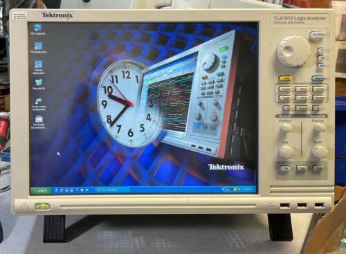 Tektronix TLA7012 Portable Logic Analyzer Mainframe