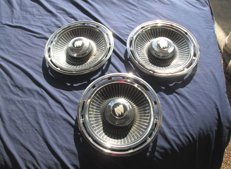 """Vintage 1963 Buick HUBCAPS HUBCAP 14"""" Very Good Condition Set Of 3"""