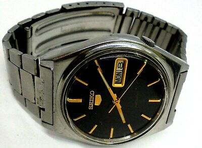 Vintage Seiko 5 Automatic 17 Jewels Day & Date Mans Black Dial Watch. Working.
