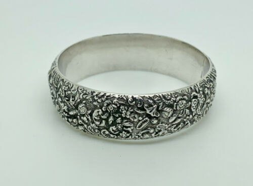 Stunning Antique Chinese Export Sterling Silver Flowers Repousse Bangle Bracelet
