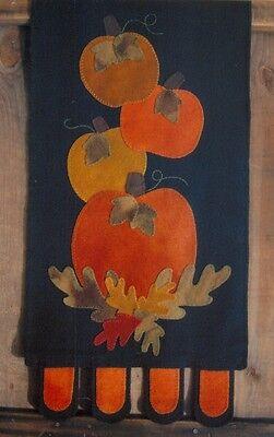PRIMITIVE WOOL APPLIQUE PENNY RUG PATTERN RUNNER PUMPKINS AUTUMN HALLOWEEN - Halloween Wool Applique Patterns