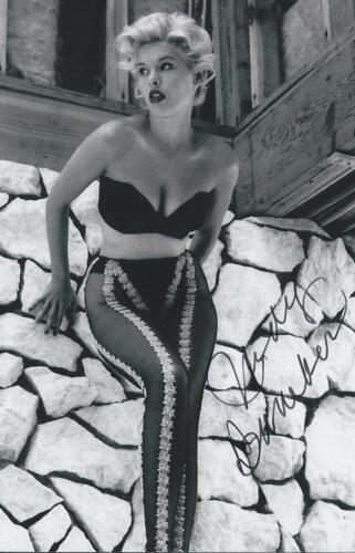 Judy Bamber signed Pin Up Model Bombshell Actress Rare COA LOOK!!