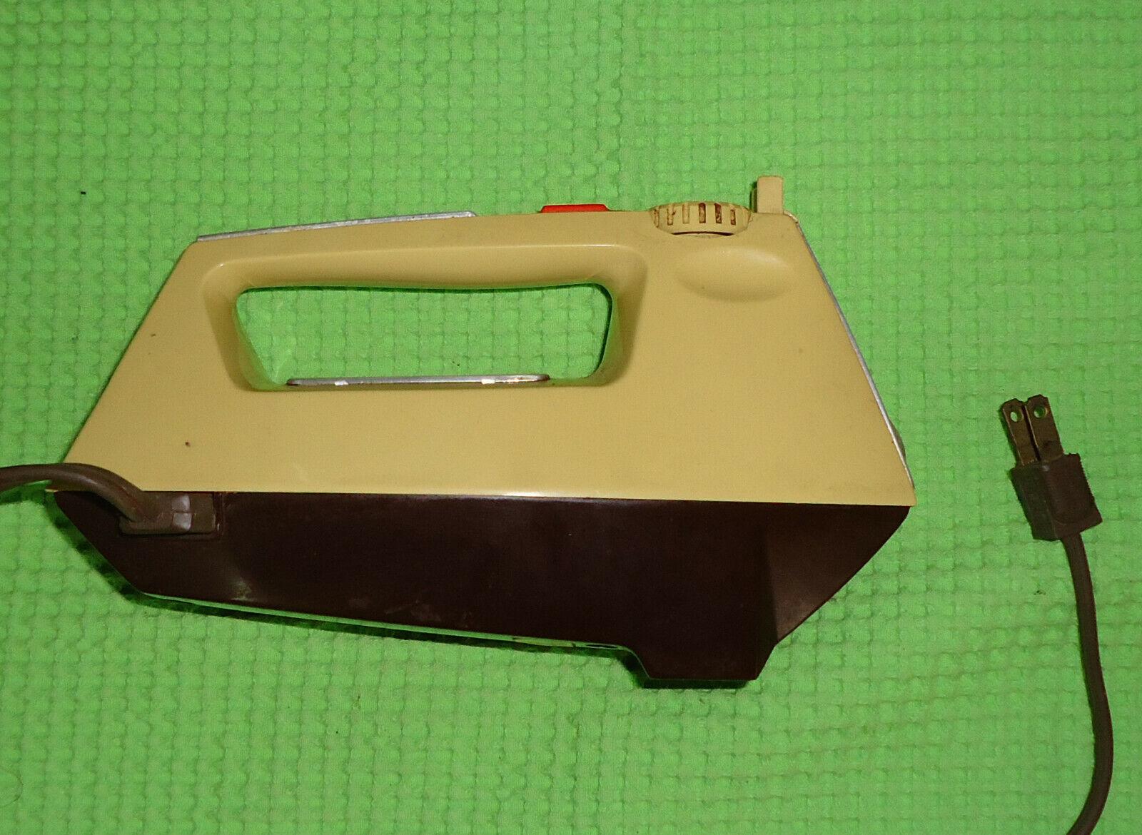 sbattitore mixer Vintage Sunbeam Burst Of Power Mixmaster Hand Mixer 12 Speed