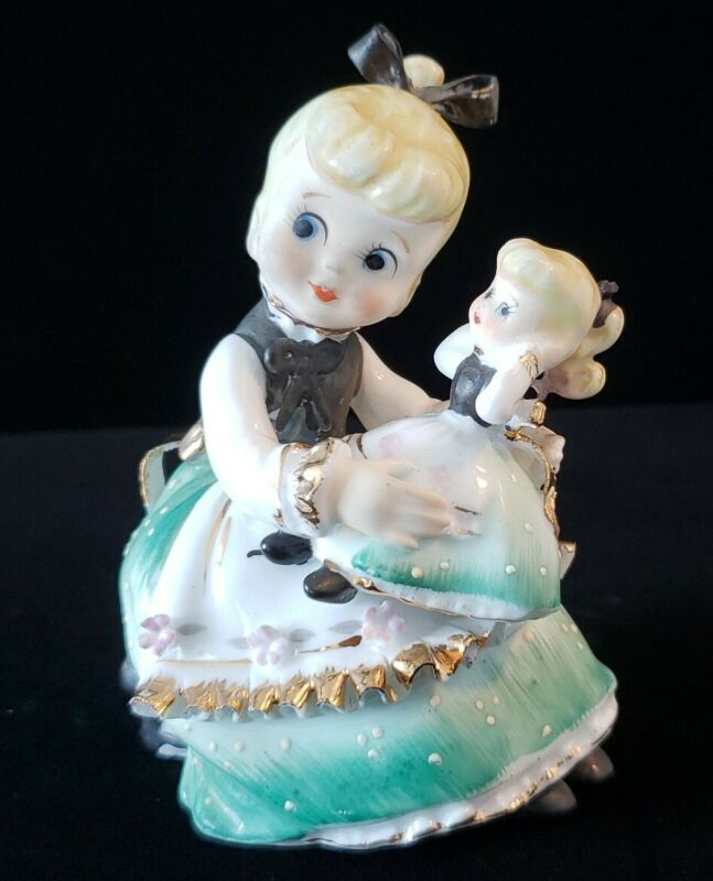 VINTAGE 1955 LEFTON GIRL WITH MATCHING DOLL KW8948 FIGURINE COLLECTIBLE