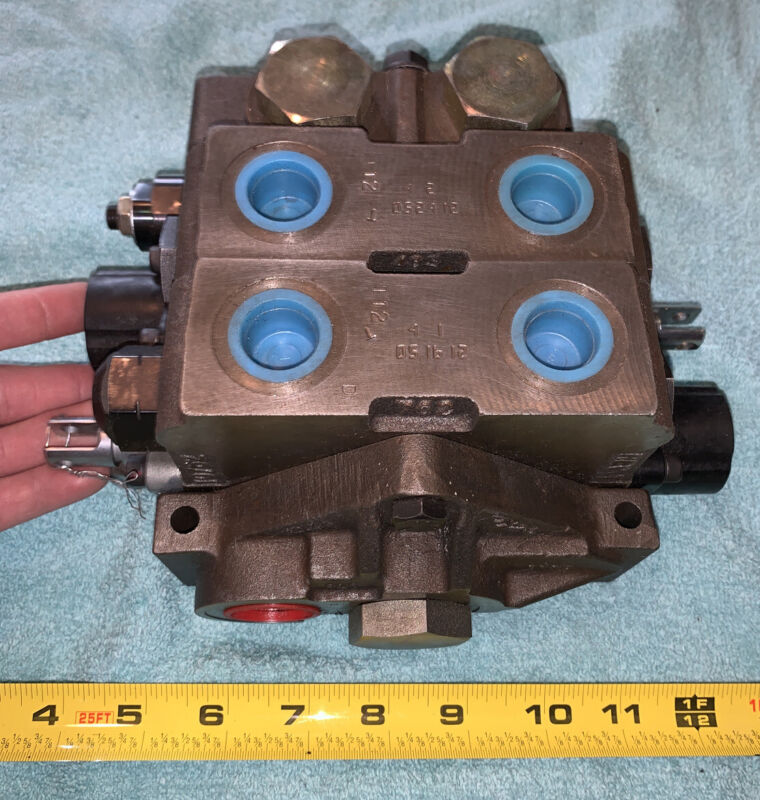 (Possibly) Parker Hydraulic Directional Control Valve - Refer To Pictures
