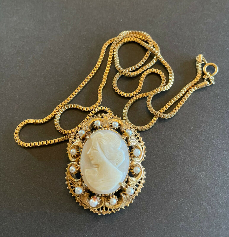 Vtg Florenza Large Carved Necklace  Shell Cameo On Chain Pearls Signed