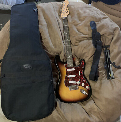 """Squier Strat """"CXS"""" Really Good Condition"""