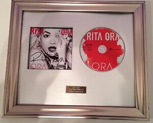 PERSONALLY-SIGNED-AUTOGRAPHED-RITA-ORA-ORA-CD-FRAMED-PRESENTATION