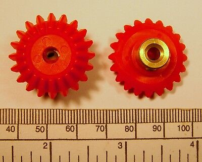 Bevel Gears   Pair   Red Nylon   Brass Hub With Grub Screw  4Mm Bore
