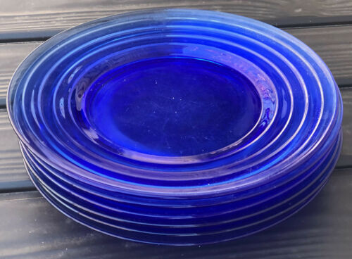 """Six Vintage Cobalt Blue Moderntone Plates, 8"""" Diameter, Excellent"""