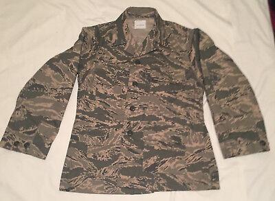 US Force Woman's Digital ACU Camo Coat Shirt Size 4 Short (Extra Small) -