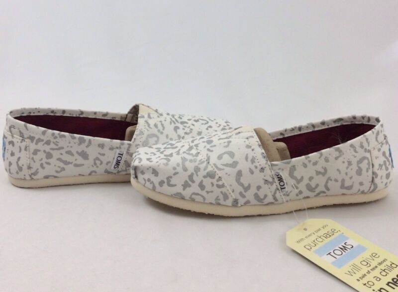 cbfbd66a3f9f TOMS SHOES WOMEN'S CLASSICS SILVER SNOW LEOPARD SIZE 8.5 on The Hunt