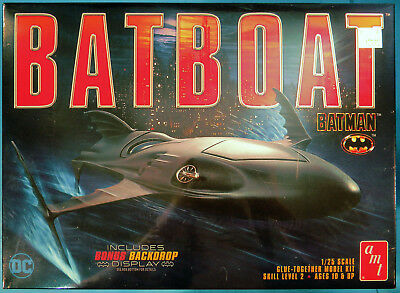 AMT Batman Batboat, 1/25 Plastic Model Kit, Brand New Factory Sealed