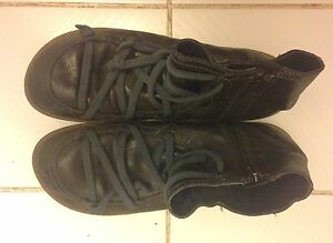 Quality Black Leather Ankle Boots by Camper Size 40 (9.5) Peterborough Peterborough Area image 1
