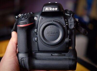 Nikon D D800E 36.3MP Digital SLR Camera MB-D12 Genuine Grip MBD12 LOW USE D800 E