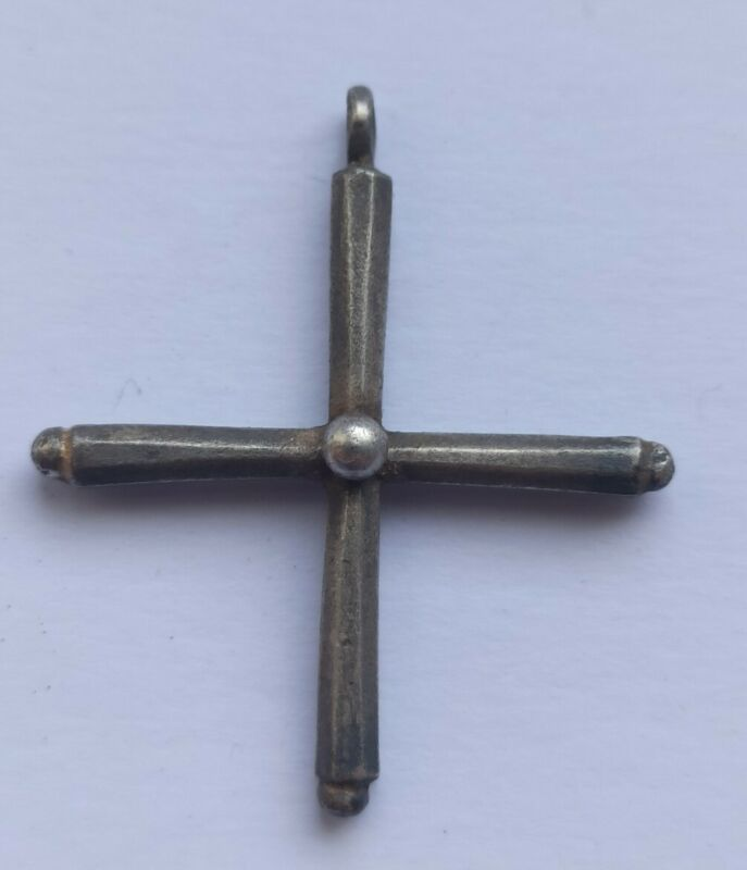 WEARABLE LATE ROMAN SILVER CROSS PENDANT 400-500 AD