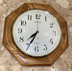 Seiko Wall Clock Solid Oak Case Brown 12 Hanging 12 Hour Analog Quartz Octagon
