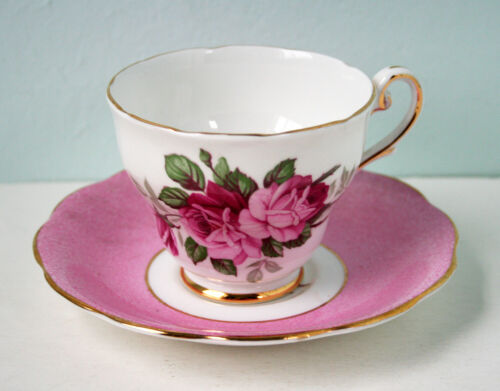 Vintage TEA CUP Royal Standard Fine Bone China, England