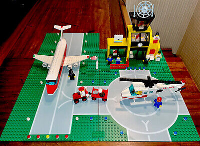 Lego Vintage LL Classic Town #6392-Airport w/minifigs (1985)