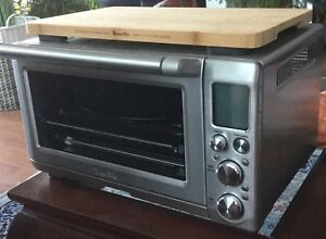Breville toaster oven in new condition
