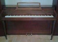 Piano droit London