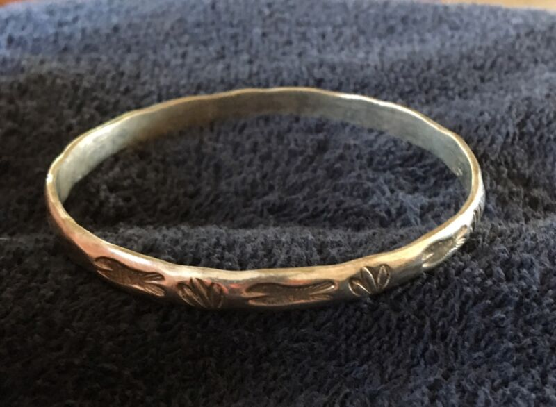Sterling Silver ~20 grams Narrow Full Circle Bracelet Fish And Ferns Patterns