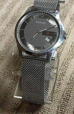 GUCCI 126.3 Slim G-Timeless Gray Face/Date Men's Swiss Watch, Mesh Style Band