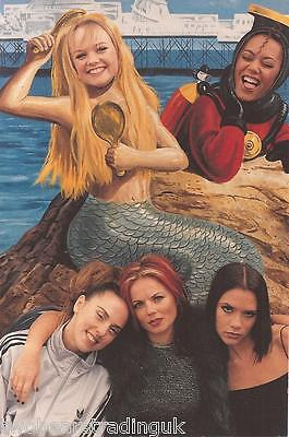 Official Spice Girls Photo Collection 1997: Photograph #43