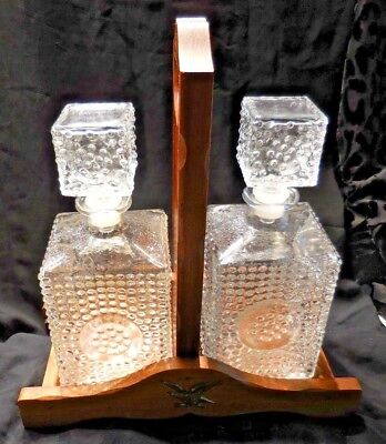 VINTAGE 2 CLEAR GLASS LIQUOR DECANTERS w WOODEN HOLDER AMERICANA EAGLE DECORAT  for sale  West Bloomfield