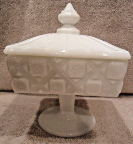"""RARE SIZE WESTMORELAND QUILTED PATTERN MILK GLASS COMPOTE DISH & LID 6 1/2"""" T"""