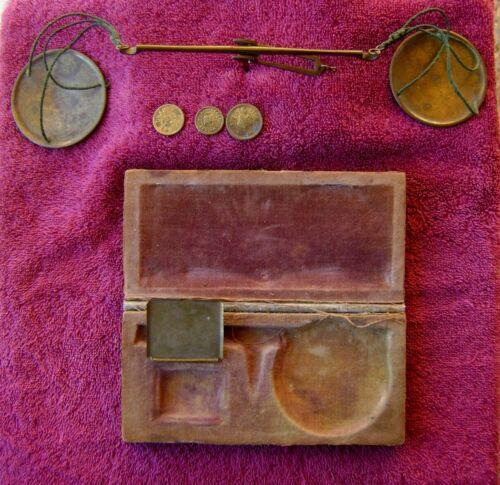 AUTHENTIC CIVIL WAR ERA MEDICAL SCALE WITH PATRIOTIC UNION SHIELD EAGLE ON CASE
