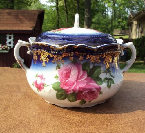 C. 1890-1910 Antique Flow Blue Covered Chamber Pot