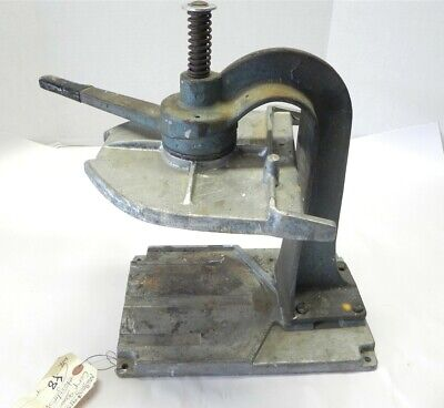 Vintage 1 Gallon Paint Can Shaker Stand Clamp And Vise