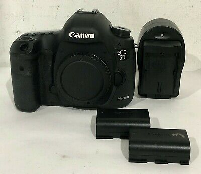 *Read* Canon EOS 5D Mark III w/ 2 Batteries