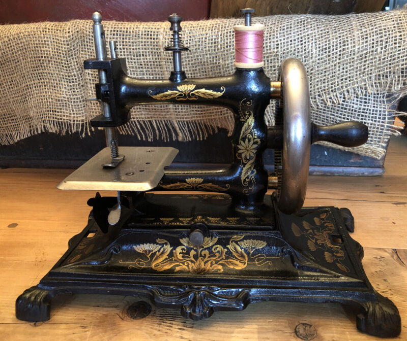 Antique Cast Iron MULLER No.12 Sewing Machine Germany Stunner