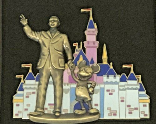 2005 WDW DISNEY PARTNERS MICKEY AND WALT JUMBO PIN IN FRONT OF CASTLE NEW IN BOX