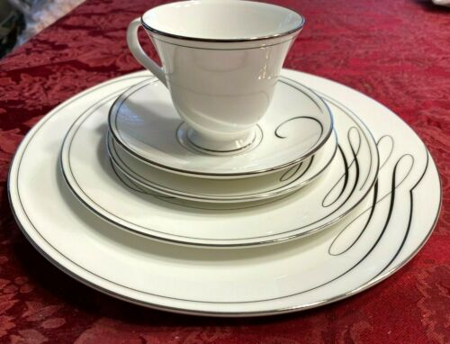 NEW With Tags Waterford BALLET RIBBON Place Setting(s)  PLATINUM - RETIRED