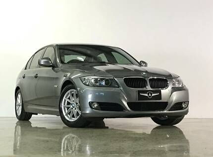 2009 BMW 320i Sedan - Navigation