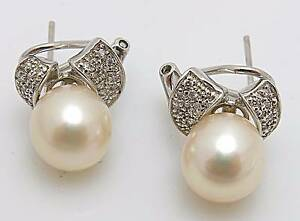 South Sea Pearl and Diamond Earrings. H4622 Kingston South Canberra Preview