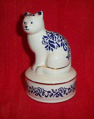 "1995 SAN FRANCISCO MUSIC BOX COMPANY BLUE &WHITE SITTING CAT- PLAYS"" MEMORY """