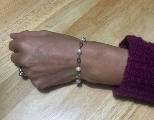 Vintage Solid 18K 750 White Gold & Natural Pearl Station Bracelet. 7-inches 69VA