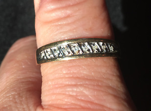 Mens 10 kt gold ring with small diamonds size 10