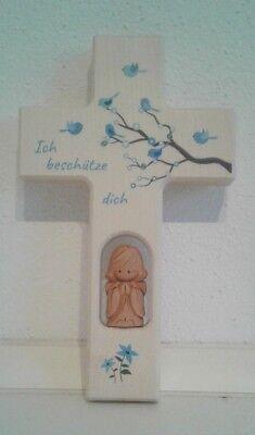 Tauf  Holzkreuz aus Ahorn  mit Tonengel und Kristallen .