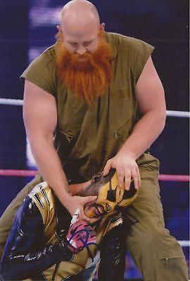 WWE WRESTLING: ERICK ROWAN SIGNED 6x4 ACTION PHOTO+COA **PROOF**