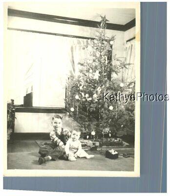 FOUND B&W PHOTO H_8272 LITTLE BOY AND BABY BOY - TRAIN SET UNDER CHRISTMAS TREE