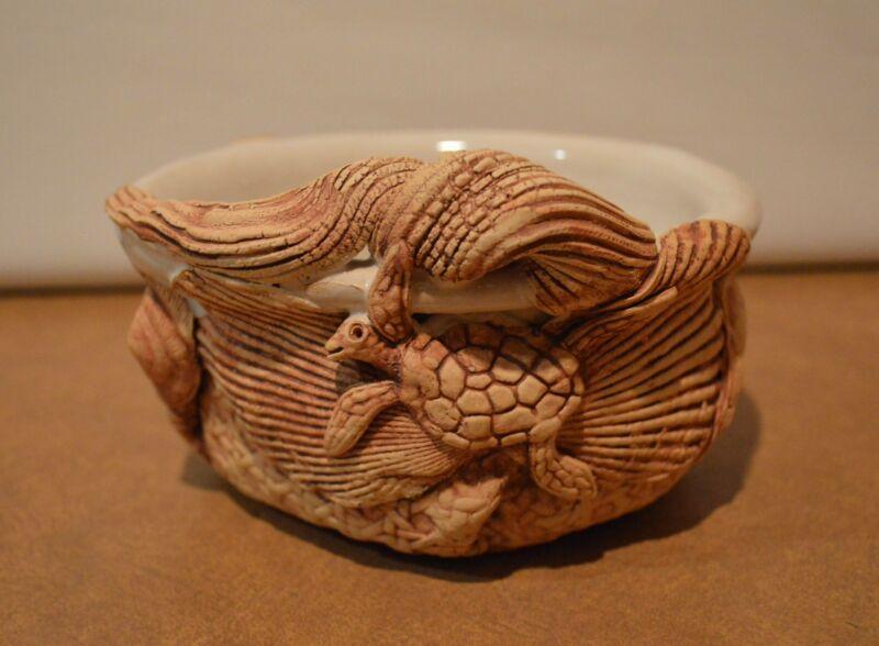 Leo & Karin Villaroman Handcrafted Pottery Bowl With Sealife Turtle Fish Shells