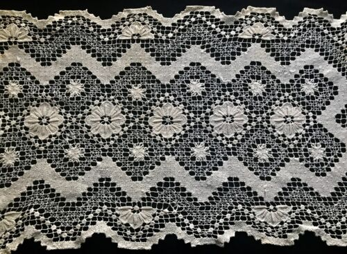 """Antique Italy Tuscany Runner Hand-Knot Modano Lace Floral Pattern 30 x 13 1/2"""""""