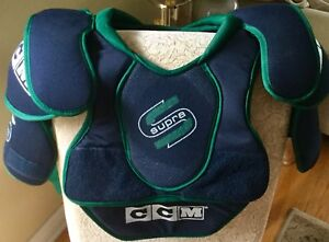 CCM Supra Youth hockey shoulder pads (believe Sz L - tag remove)