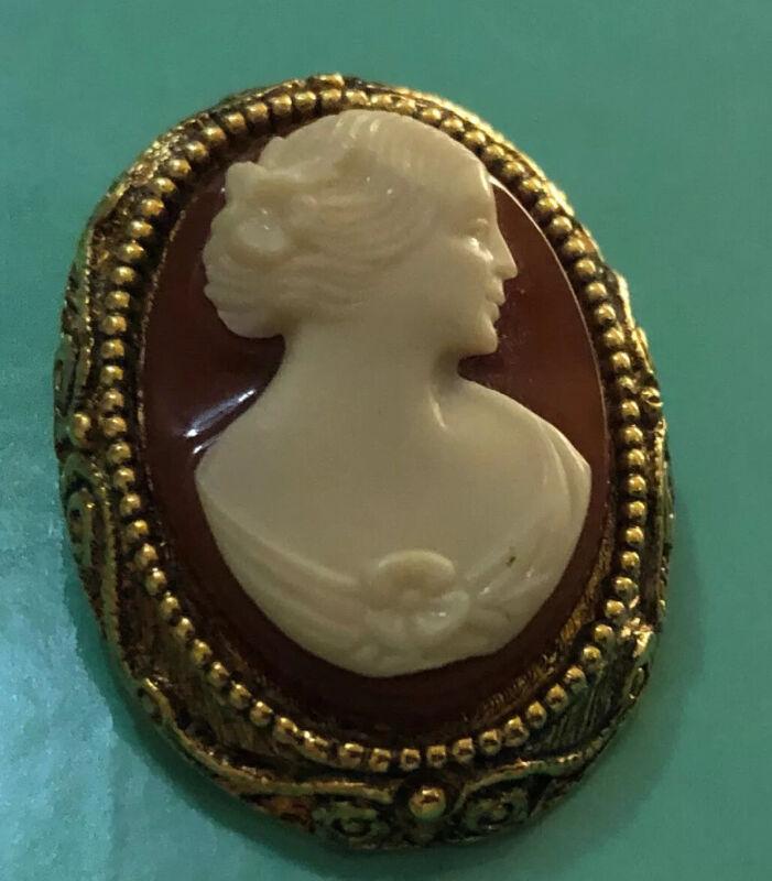 Vintage Cameo Brooch Estate Jewelry