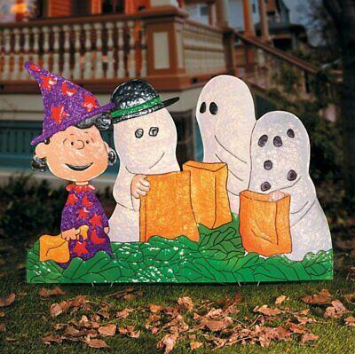Charlie Browns Halloween Costume (Peanuts Gang in Costumes Hammered Metal Outdoor Halloween Decor Charlie Brown)